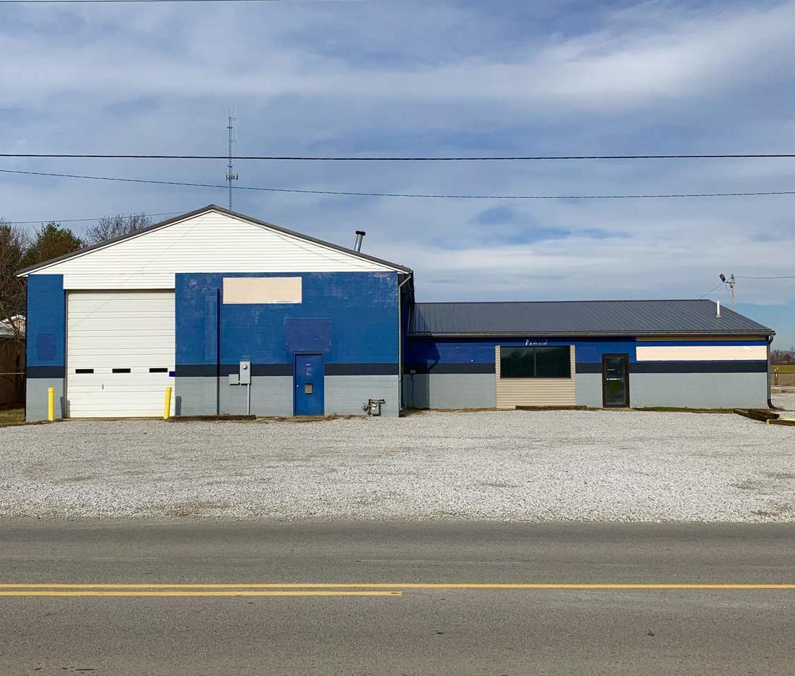 Photo of 801 W Springhill Drive Terre Haute IN 47802