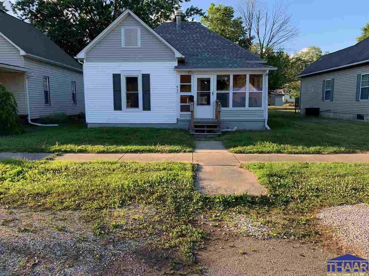 Photo of 847 Walnut Street Clinton IN 47842