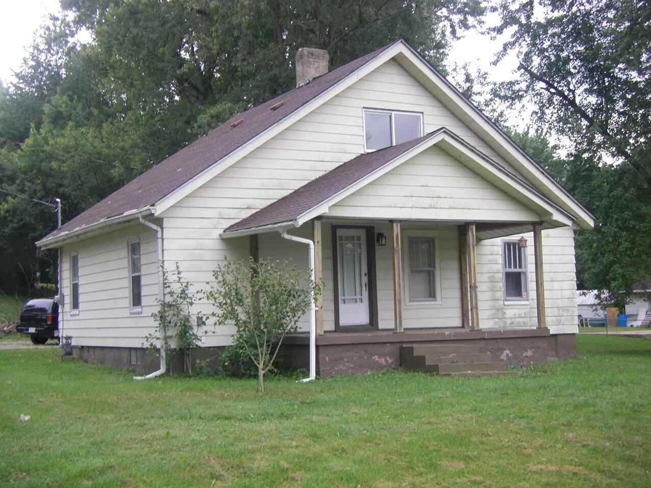 Photo of 73 Lockhart Place West Terre Haute IN 47885