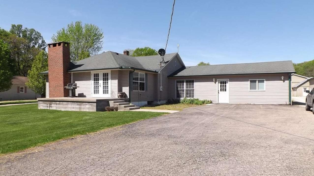 Photo of 4979 Robinson Place West Terre Haute IN 47885