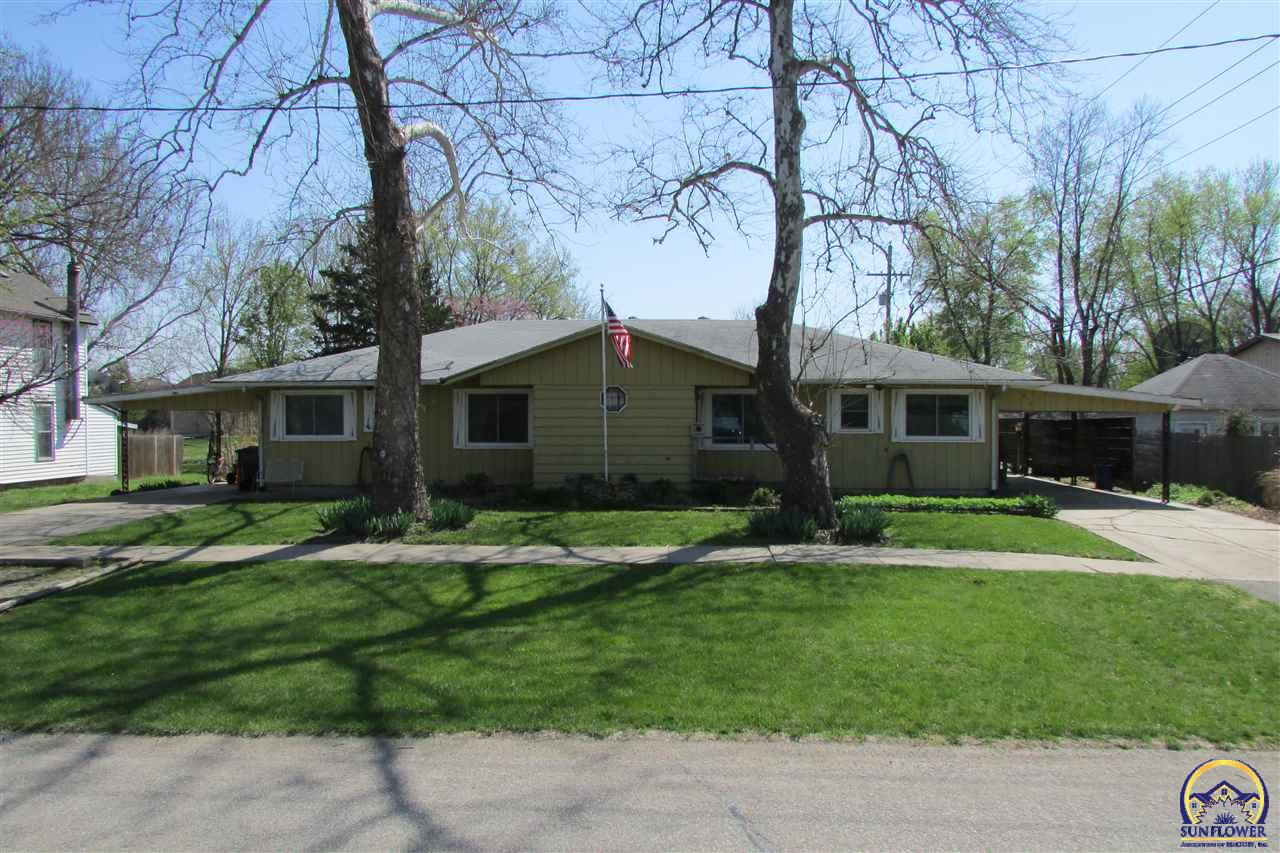 Photo of 415 E Perry ST Rossville KS 66533