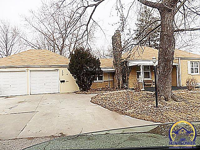 Photo of 400 SW Granthurst AVE Topeka KS 66611