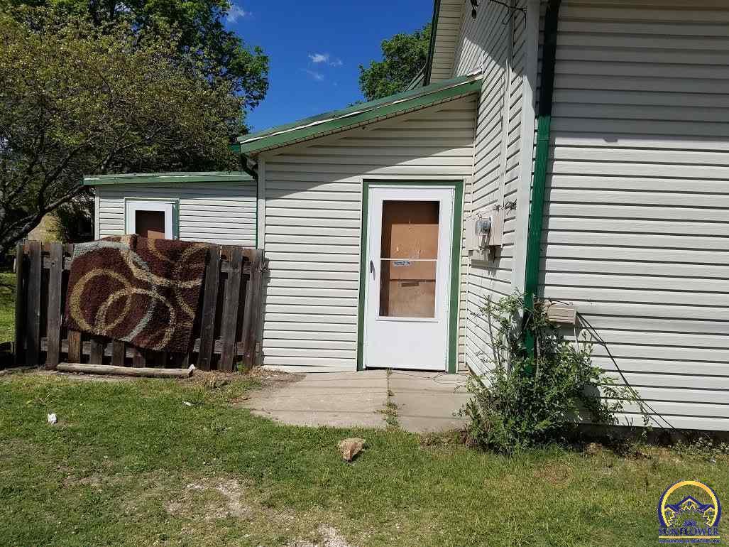 Photo of 1501 NW Tyler ST Topeka KS 66604