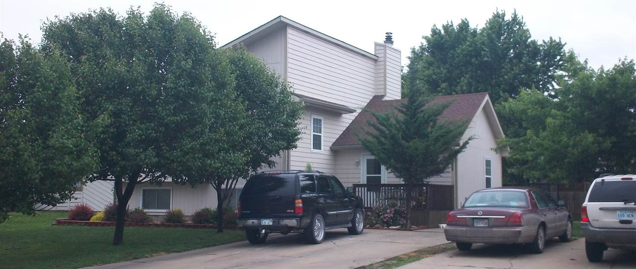 Photo of 2808 Sutton Dr Emporia KS 66801