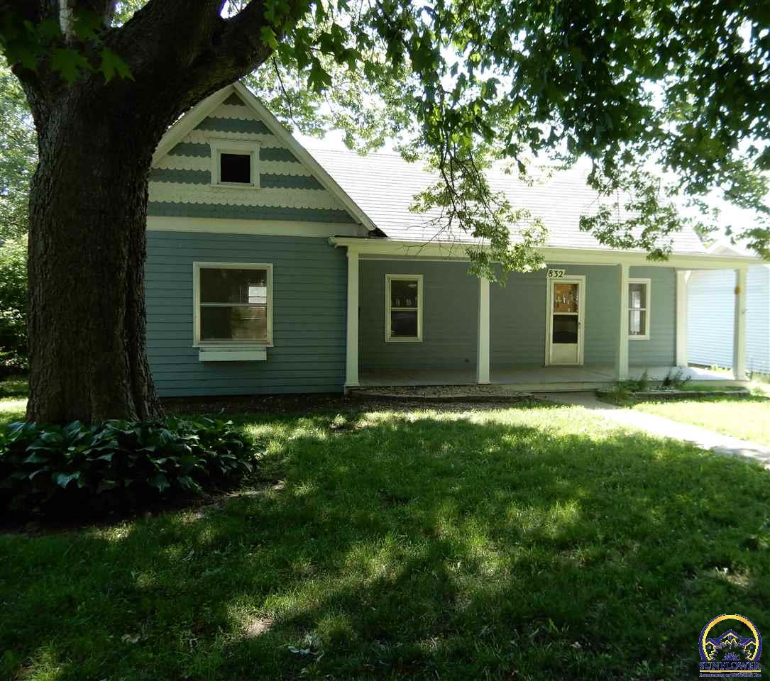 Photo of 832 New Jersey AVE Holton KS 66436