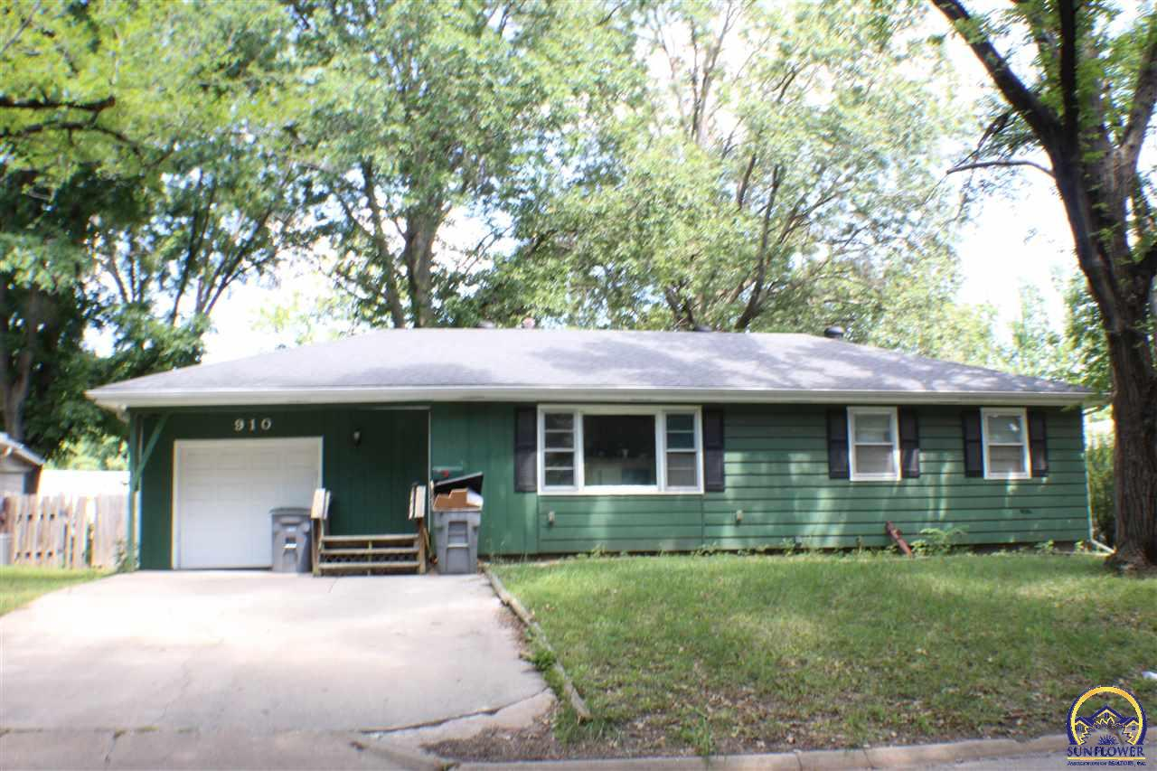 Photo of 910 Lincoln ST Emporia KS 66801