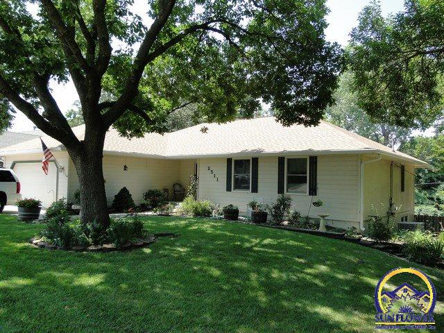 Photo of 2511 SW Golf View DR Topeka KS 66614