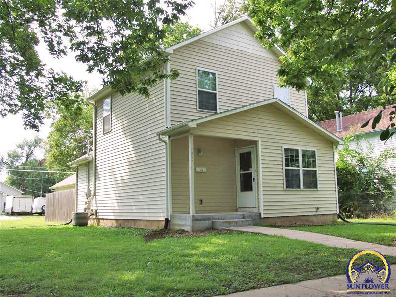 Photo of 1037 SE Lawrence ST Topeka KS 66607