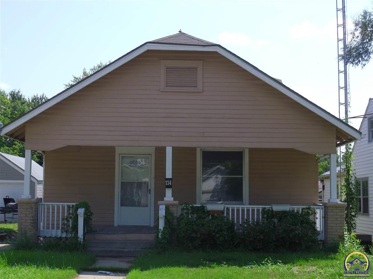 Photo of 734 SW Randolph AVE Topeka KS 66606