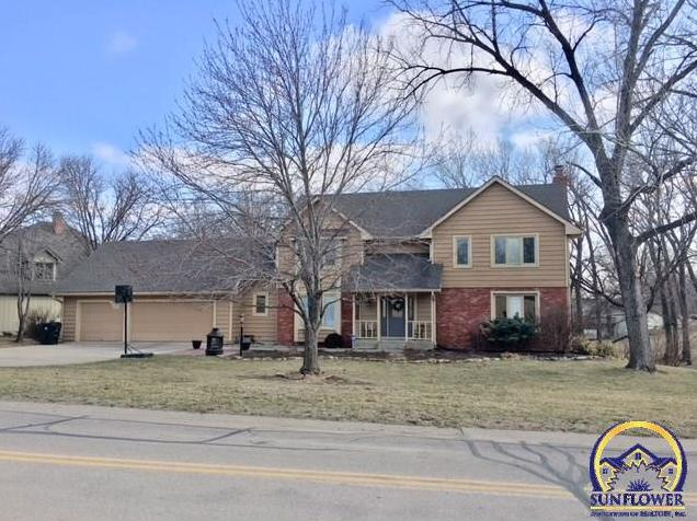 Photo of 3740 SW Canterbury Town RD Topeka KS 66610