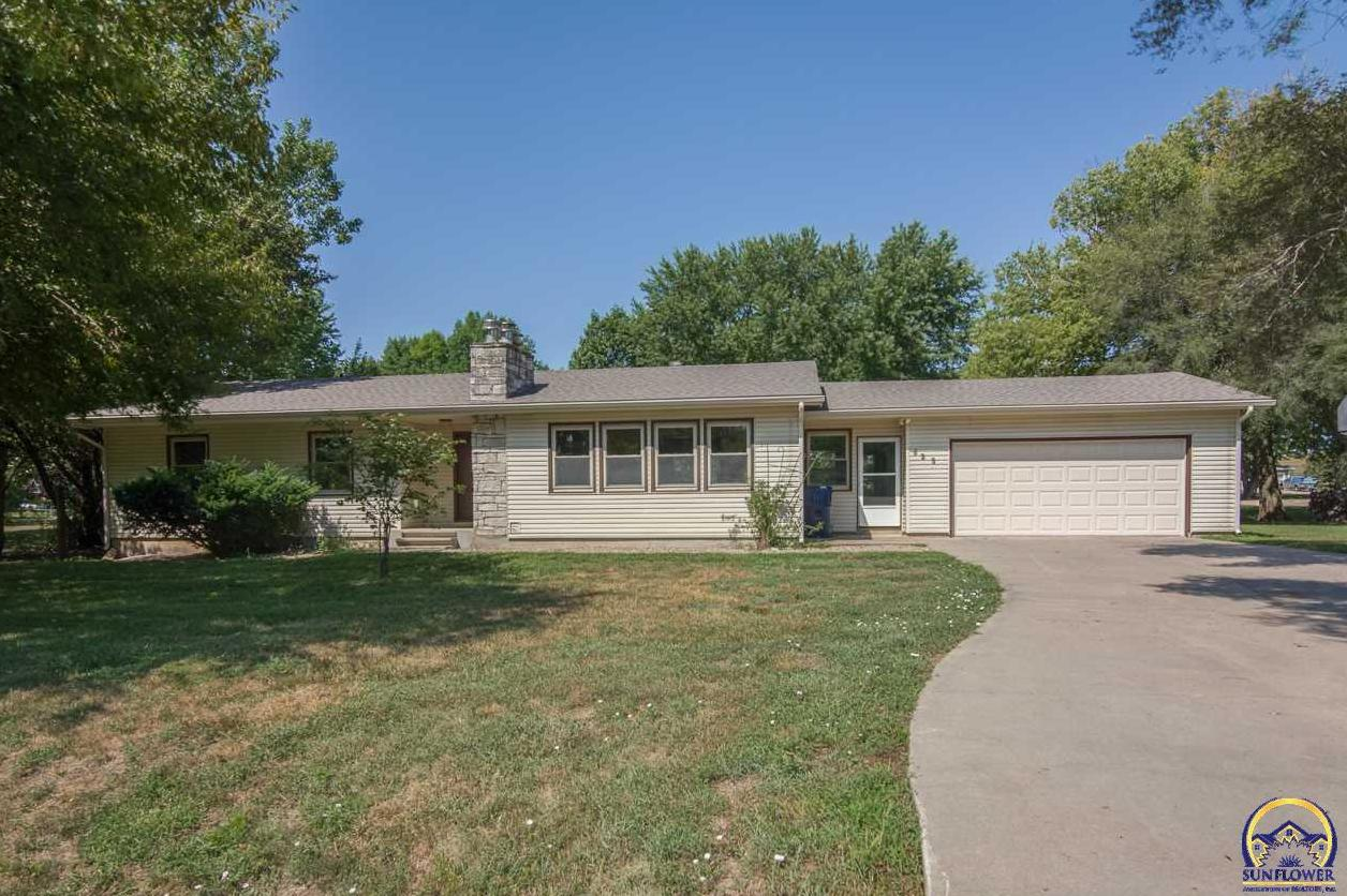 Photo of 625 SW Fowler ST Maple Hill KS 66507