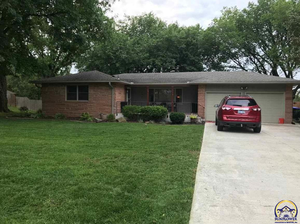 Photo of 3921 SW Parlington RD Topeka KS 66610