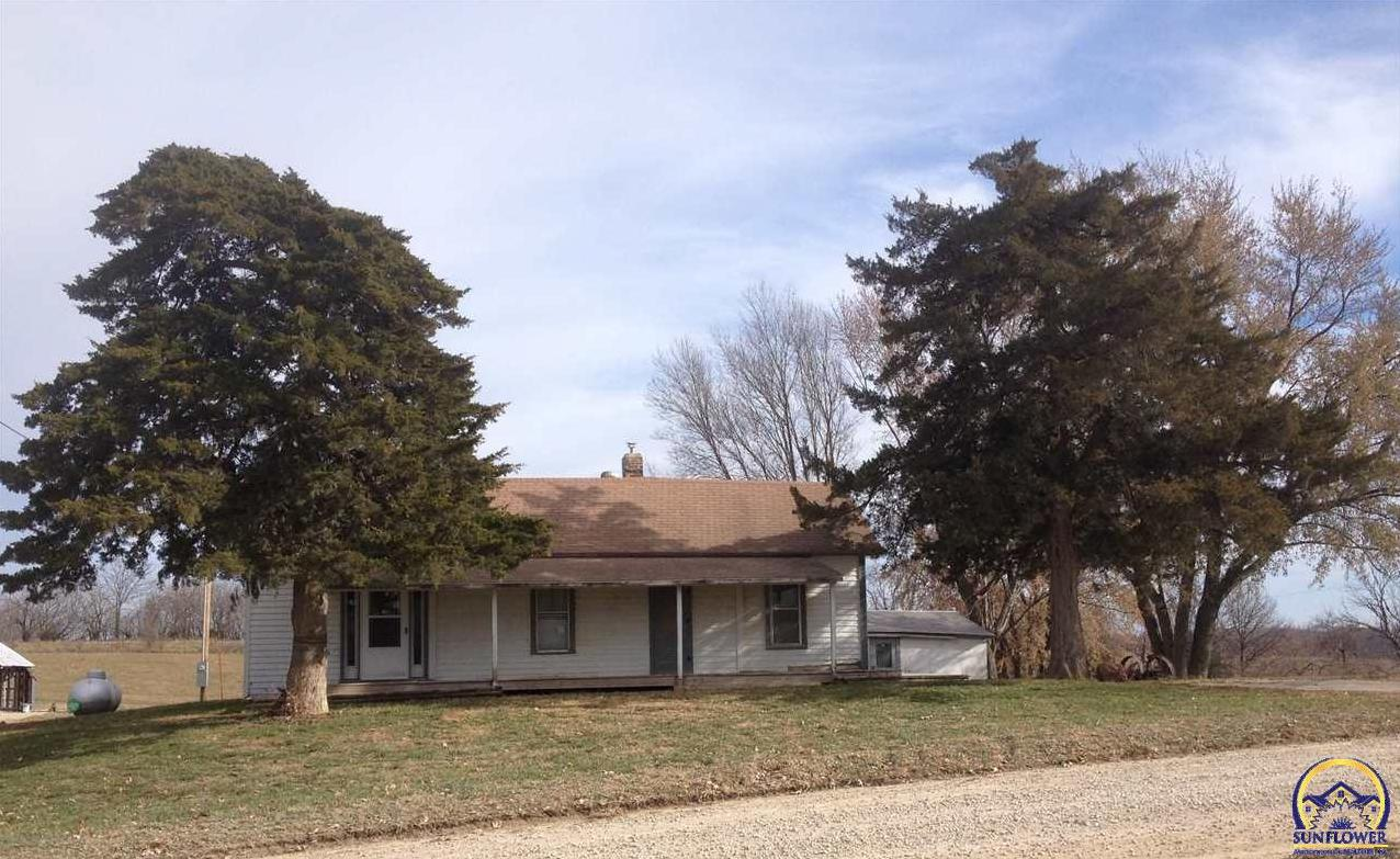 Photo of 20230 183rd St Tonganoxie KS 66086