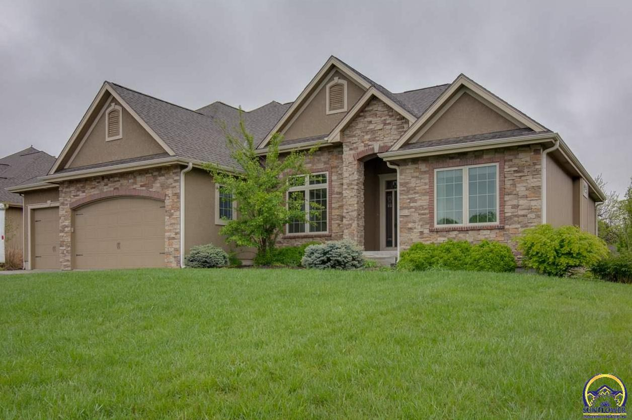 Photo of 1138 SW New Forest DR Topeka KS 66604