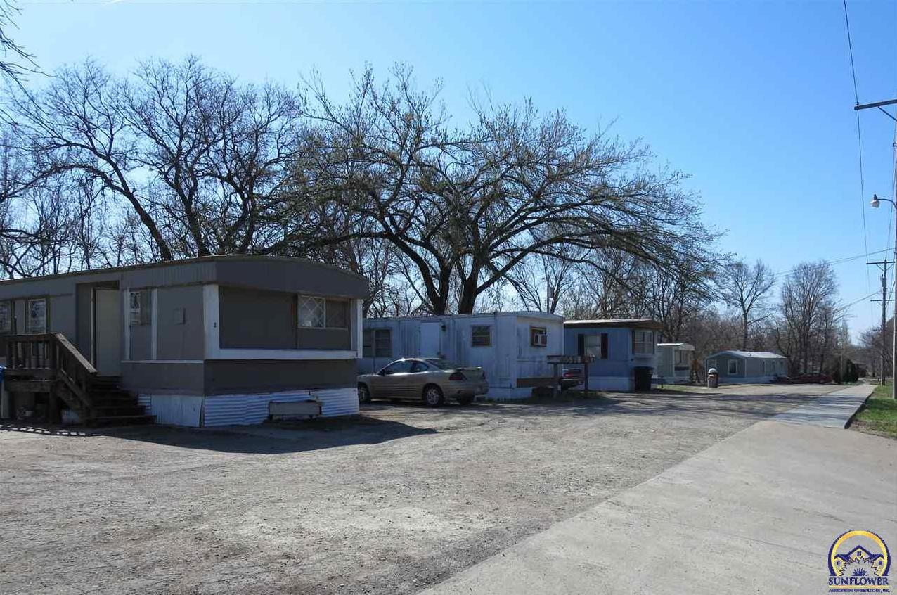 Photo of 2000 Casement Rd Manhattan KS 66502