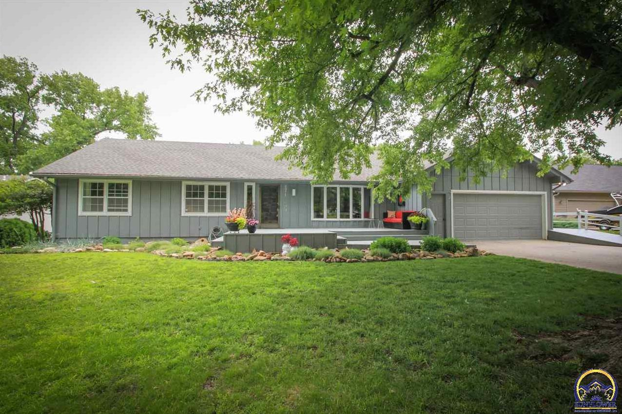 Photo of 6971 SW Fountaindale RD Topeka KS 66610