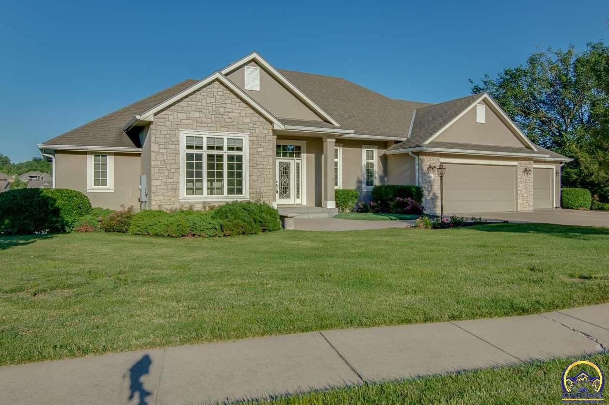 Photo of 4512 SW Lincolnshire RD Topeka KS 66610