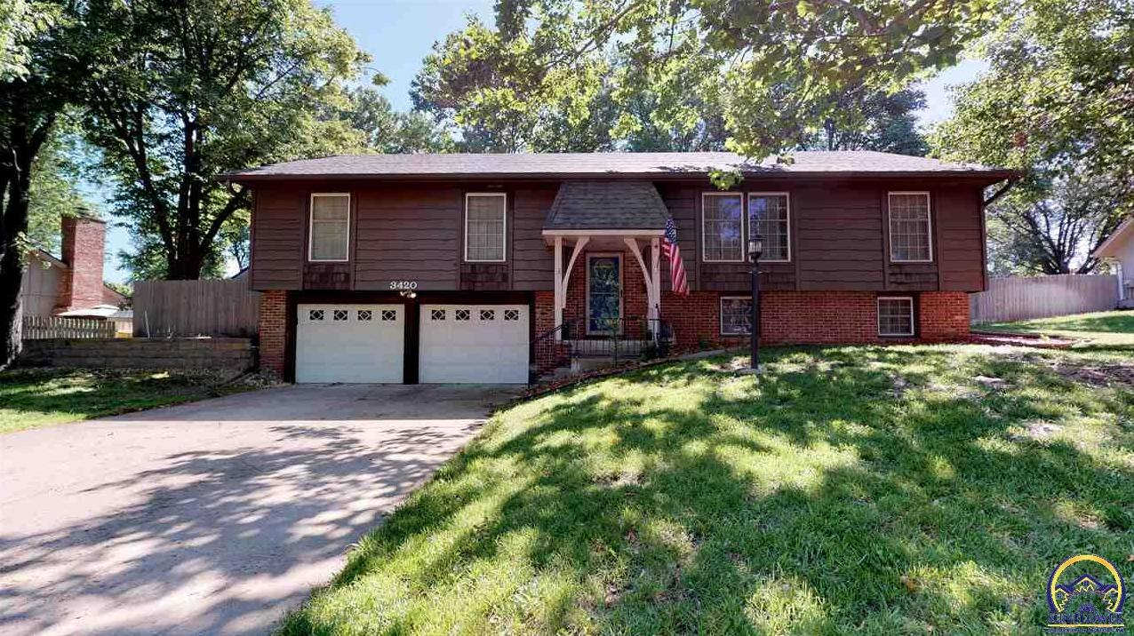 Photo of 3420 Briarwood LN Topeka KS 66611