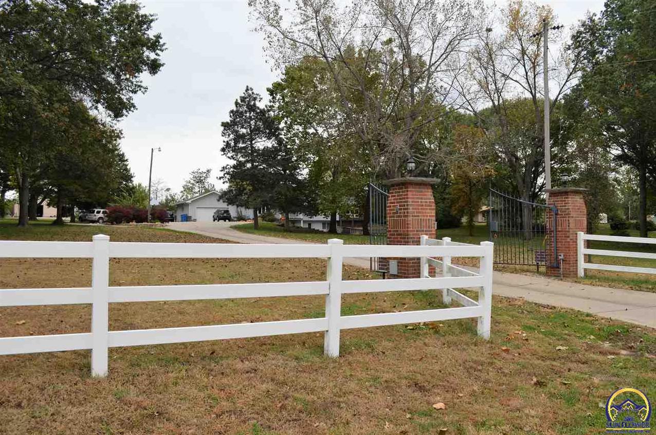 Photo of 3930 Brickyard RD Topeka KS 66618