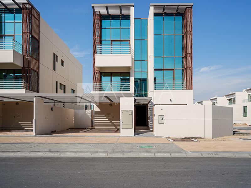 6 Bed | Opulent Villa | Elevator and Jacuzzi