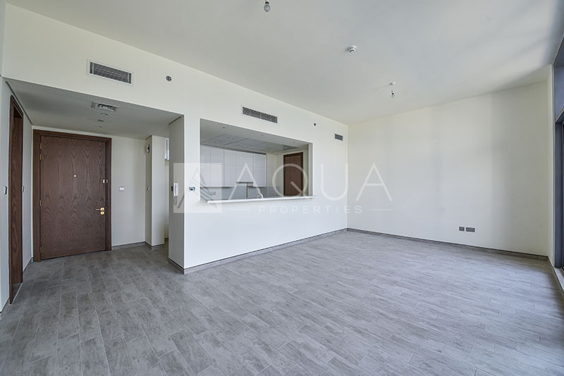 Spacious Layout | 2 Parking | Stable view