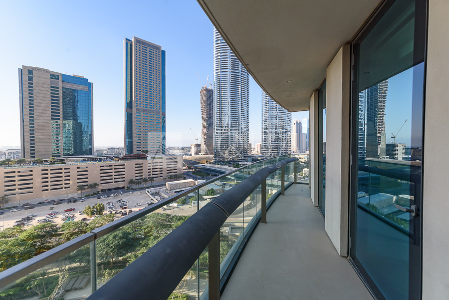 Mid Floor | Downtown and Boulevard Views
