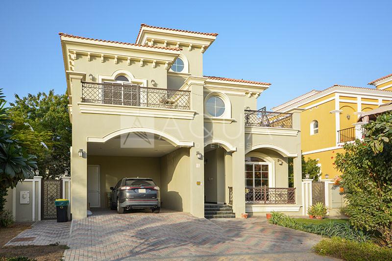 5 Beds Custom Build Villa In Prime Courtyard