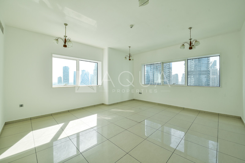 Unfurnished | Middle Floor | Spacious Unit
