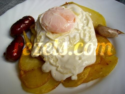 receta de patatas al montón con huevo y chorizo por inma
