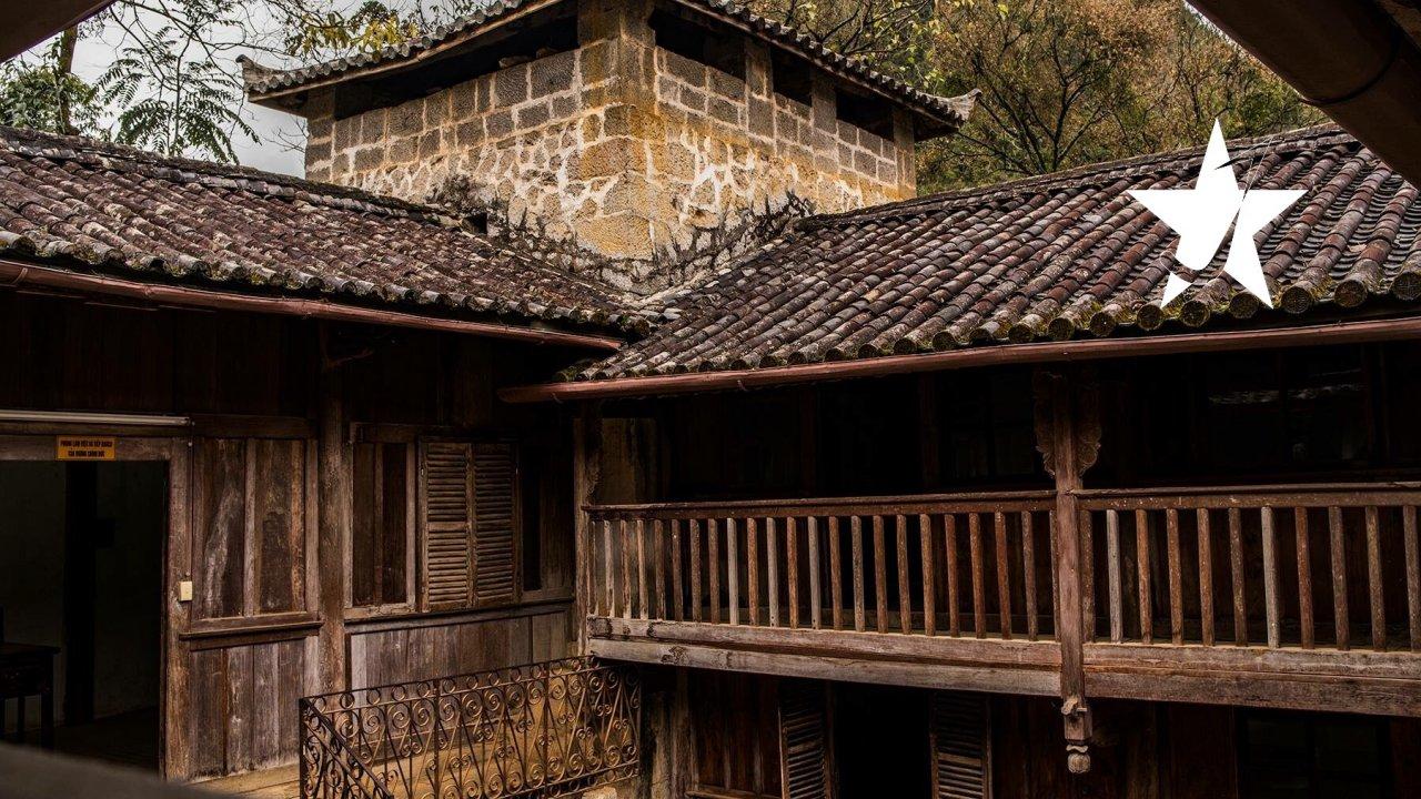 Hmong King Palace