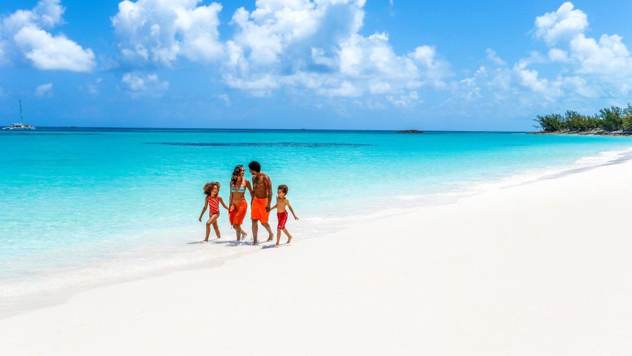 Sandy Toes, Rose Island | Sandy Toes, Rose Island Bahamas