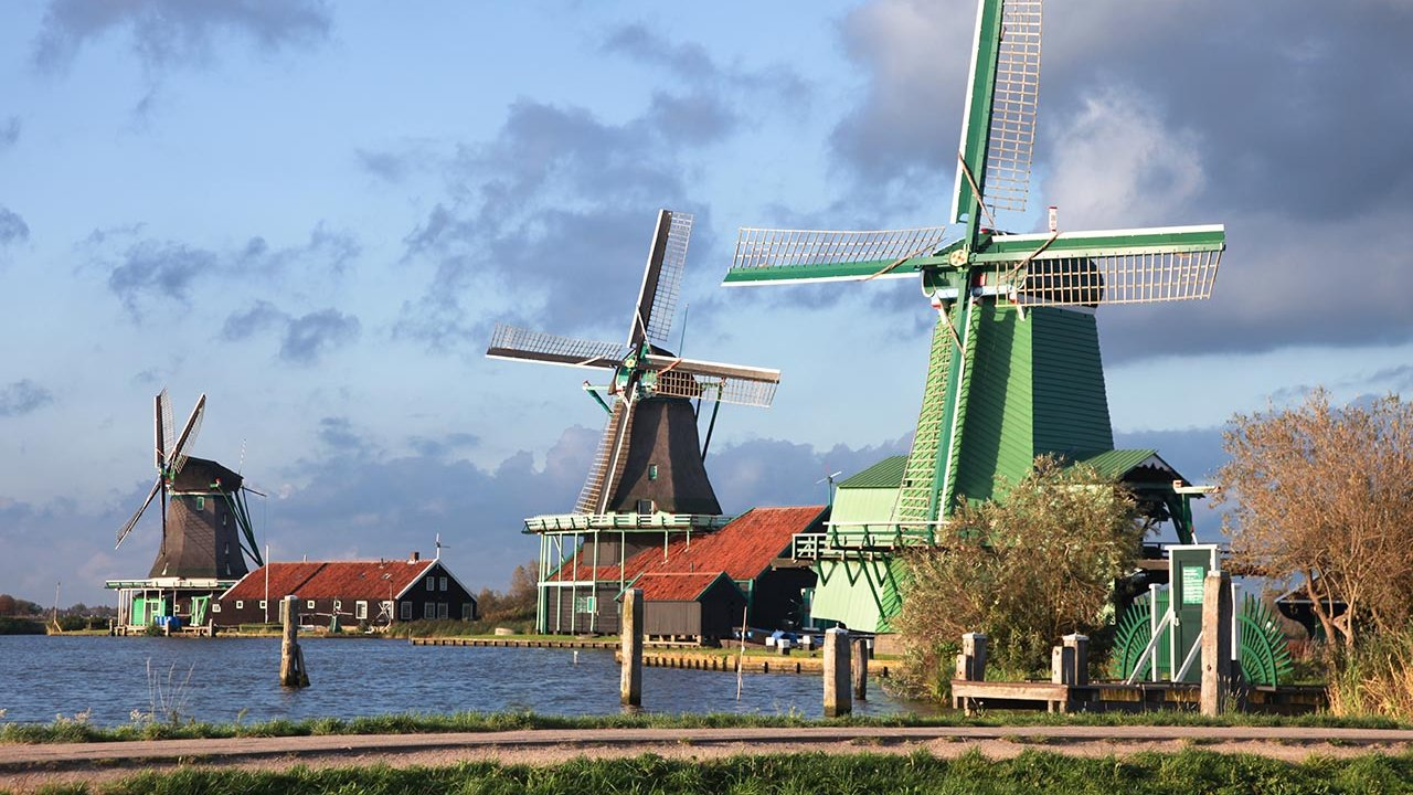 Marken, Volendam and the Windmills