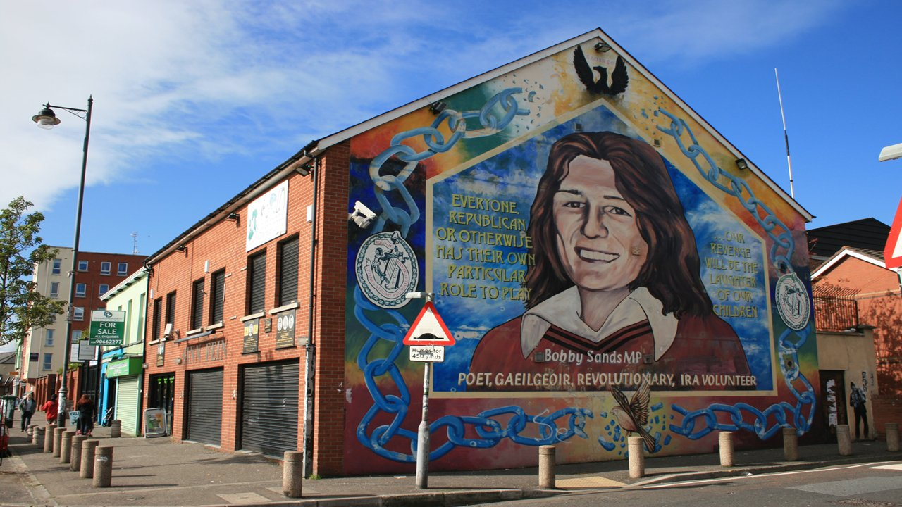 Around ireland day tours ltd giants causeway belfast 1 for Bobby sands mural