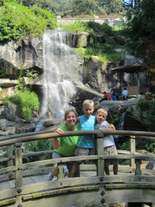 Maymont_waterfall_kids
