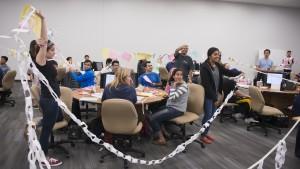 photo gallery image hs-paper-chain-activity