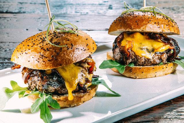 Large_burgers_web