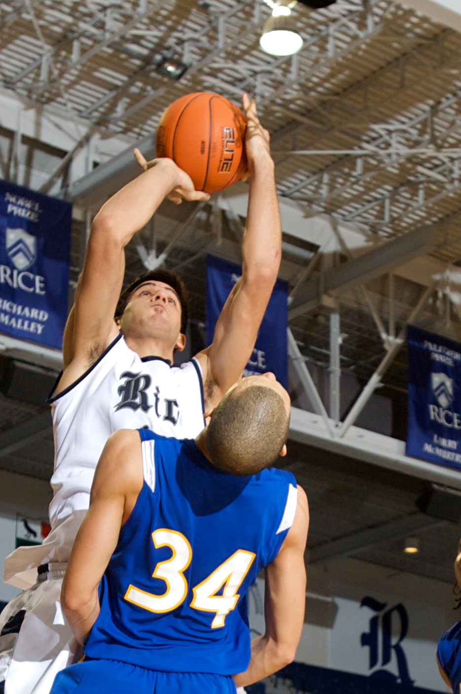 Rice freshman Arsalan Kazemi scored a team-high 14 points in the Owls' 70-58 loss at TCU Saturday.