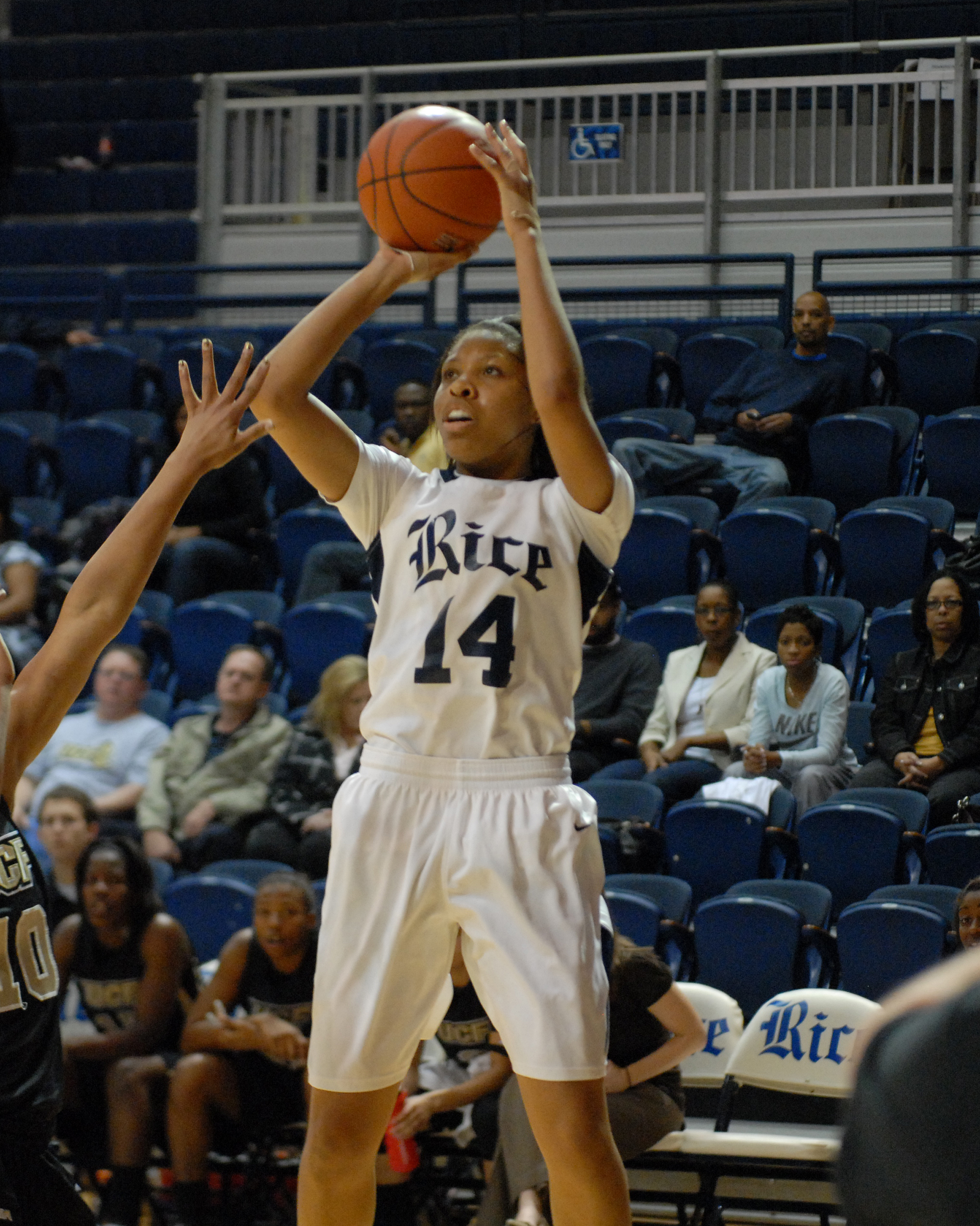 Junior Brianna Hypolite leads the Owls in scoring at 12.9 points per game.