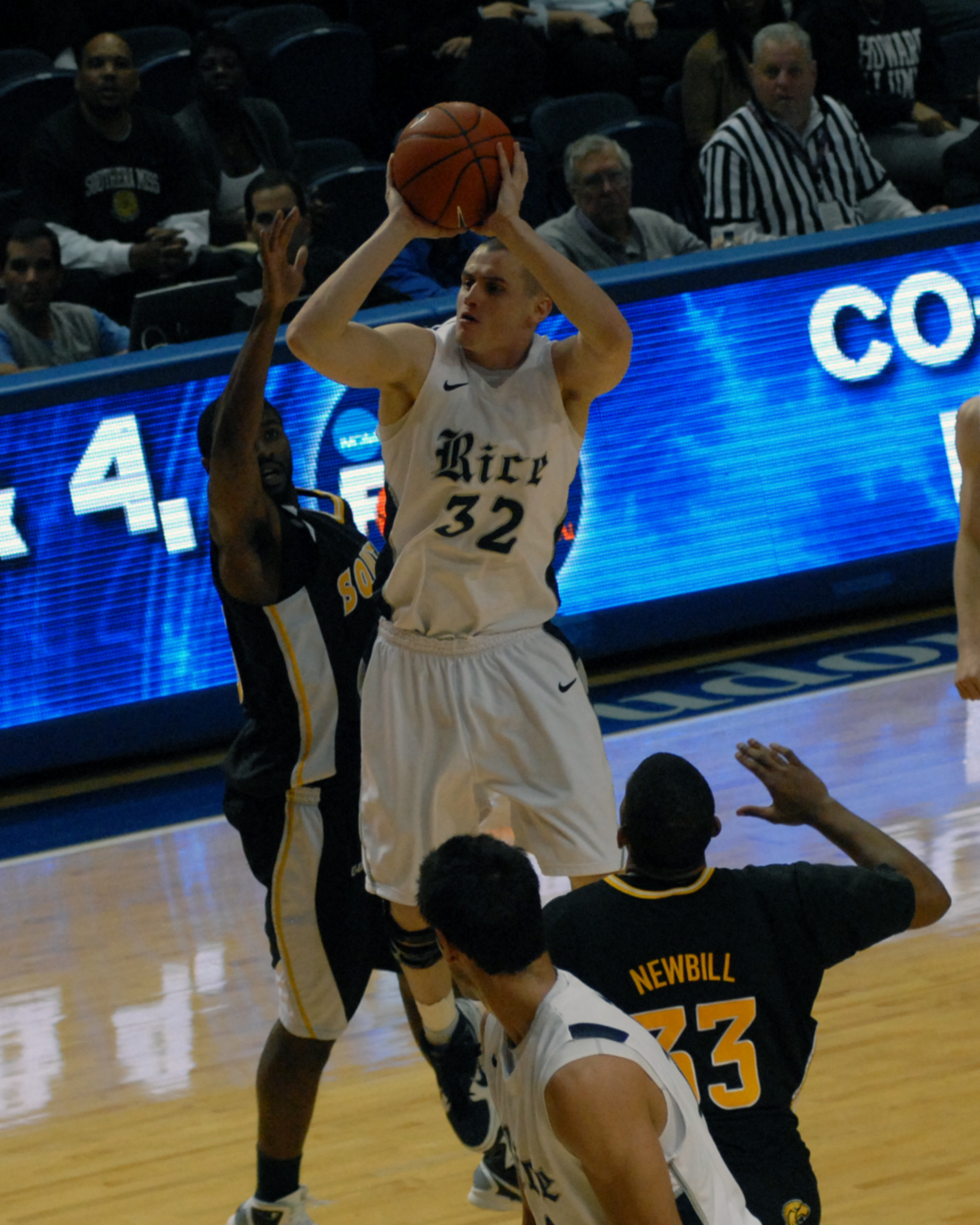 Rice will look to shoot past UCF Saturday.