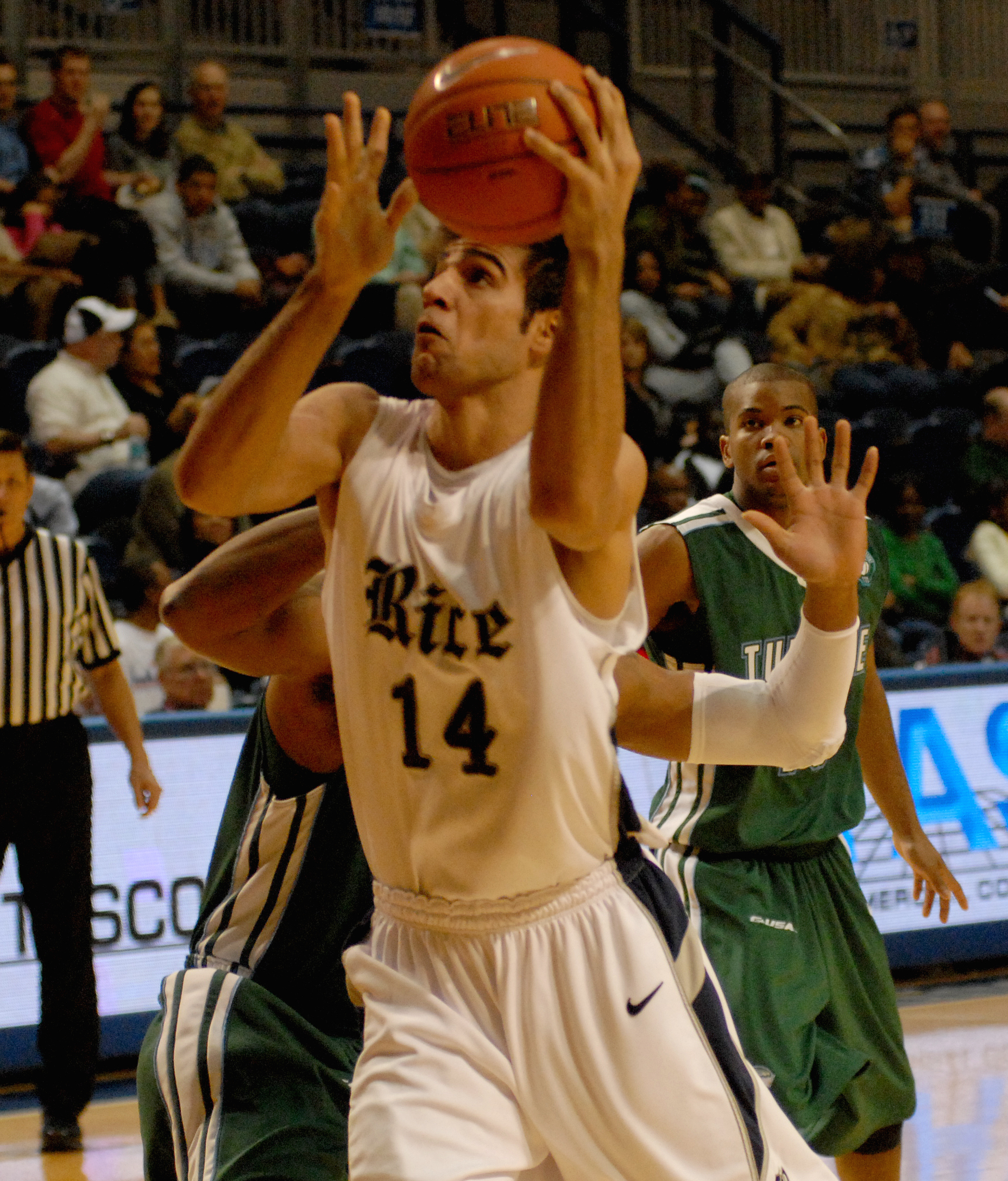 Arsalan Kazemi scored a career-high 28 points in the Owls' loss to Tulane.