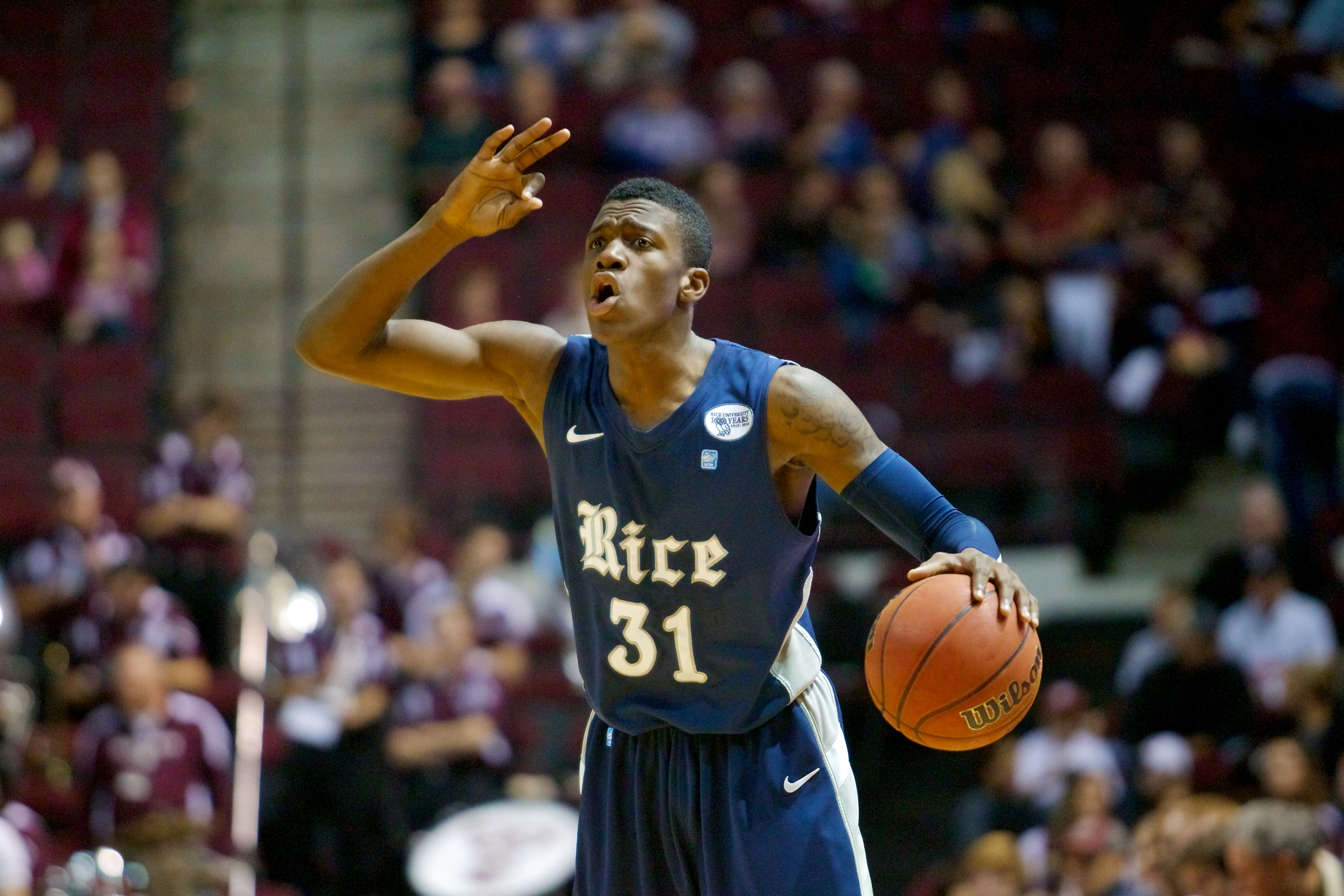 Dylan Ennis scored a career-high 18 points in the Owls' loss to TCU.