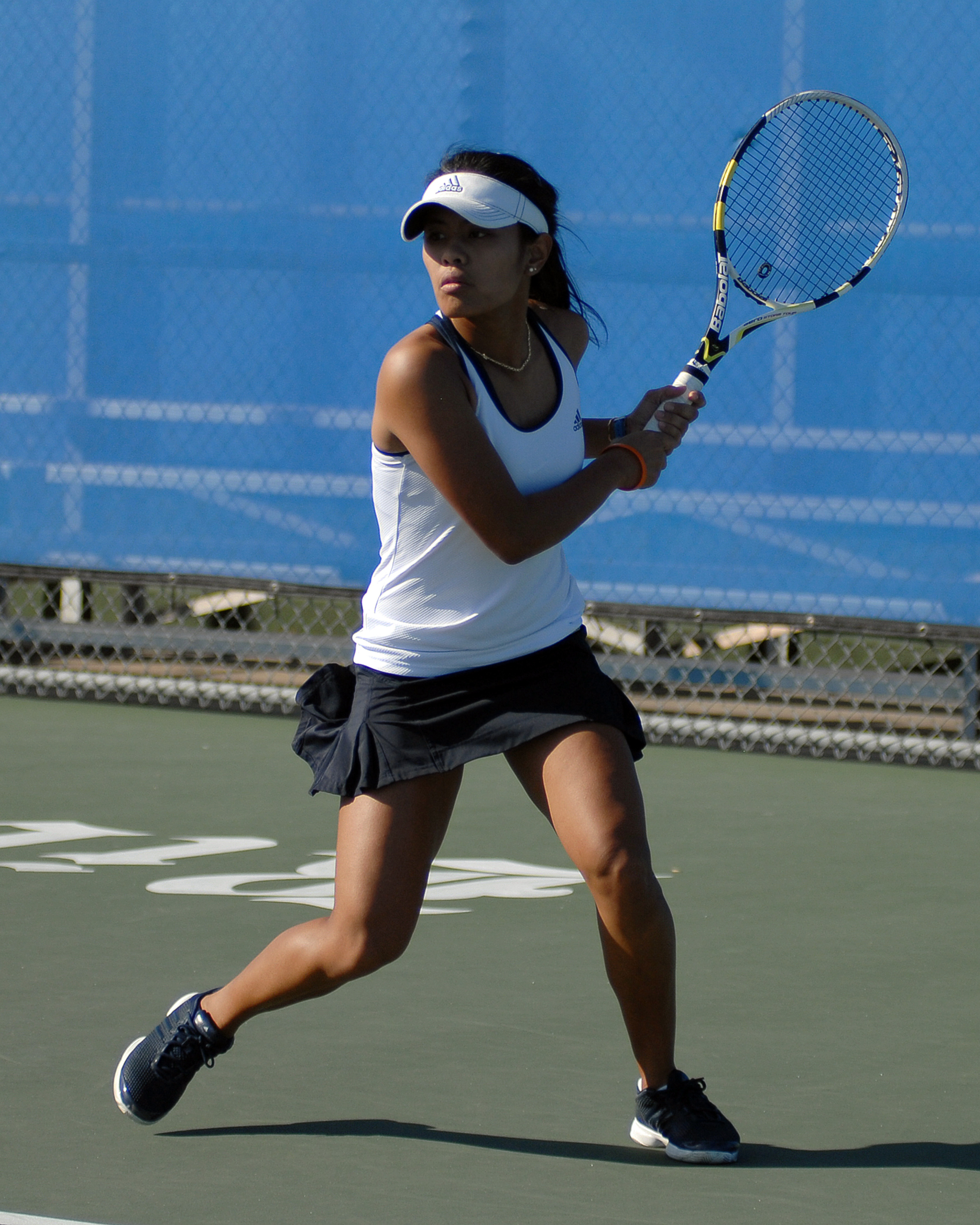 Kimberly Anicete rallied for a win to score the Owls third point.