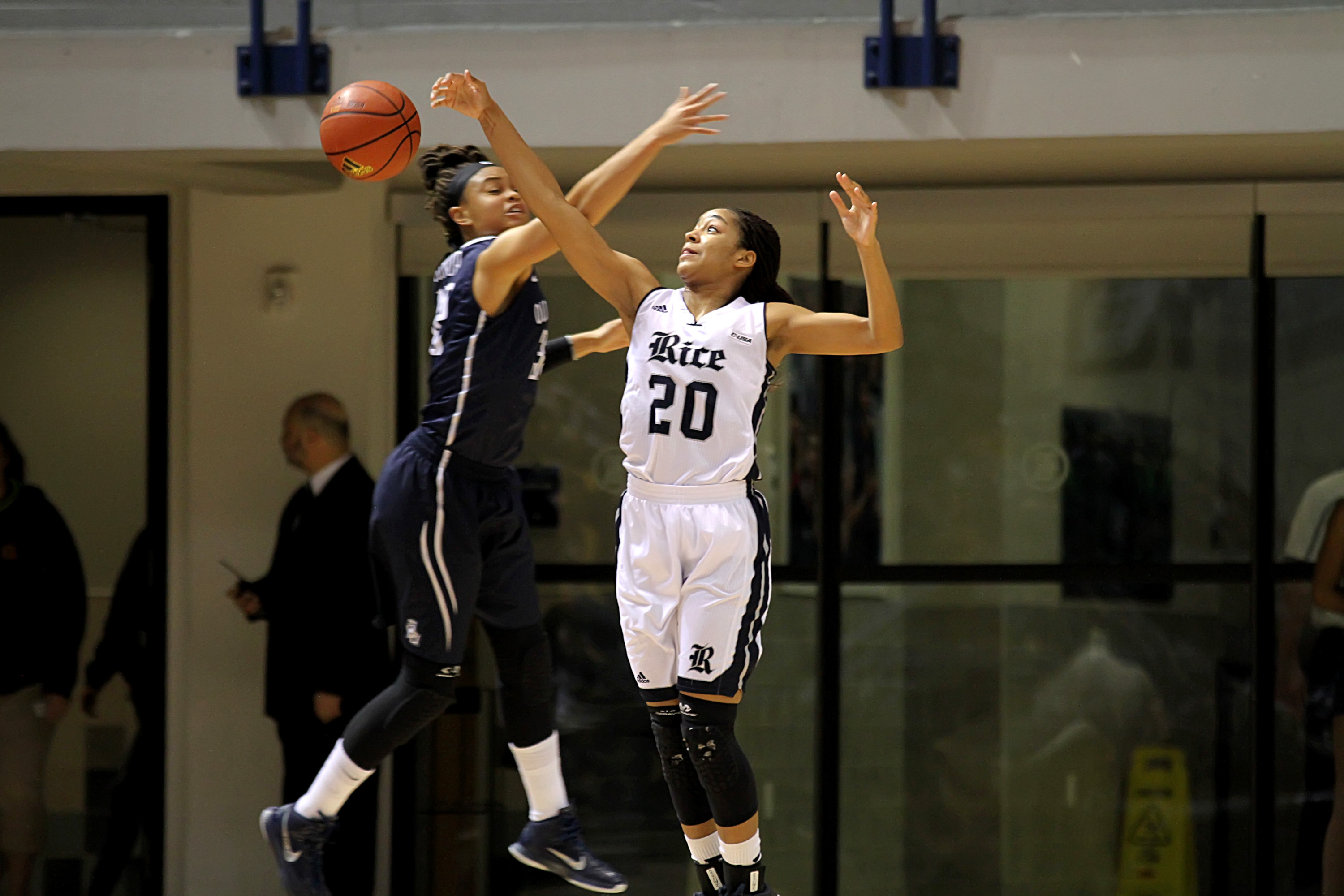 Shani Rainey and the Owls travel to Southern Miss on Thursday.
