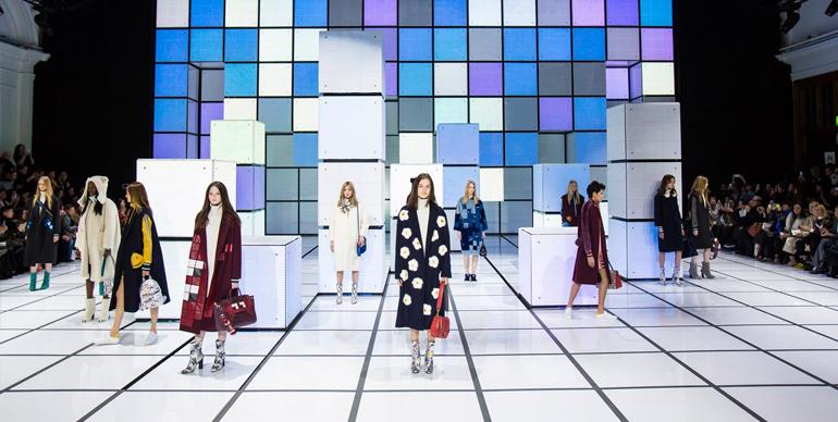 fashion show technology