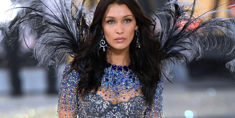 Victoria's Secret returning models