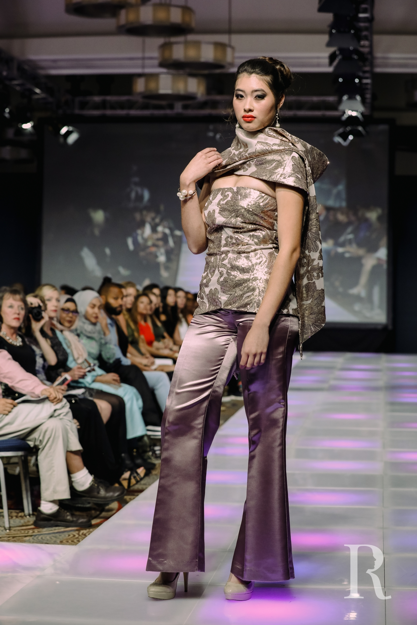 UpScales Fashions 43