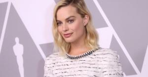 Chanel Margot Robbie Oscars