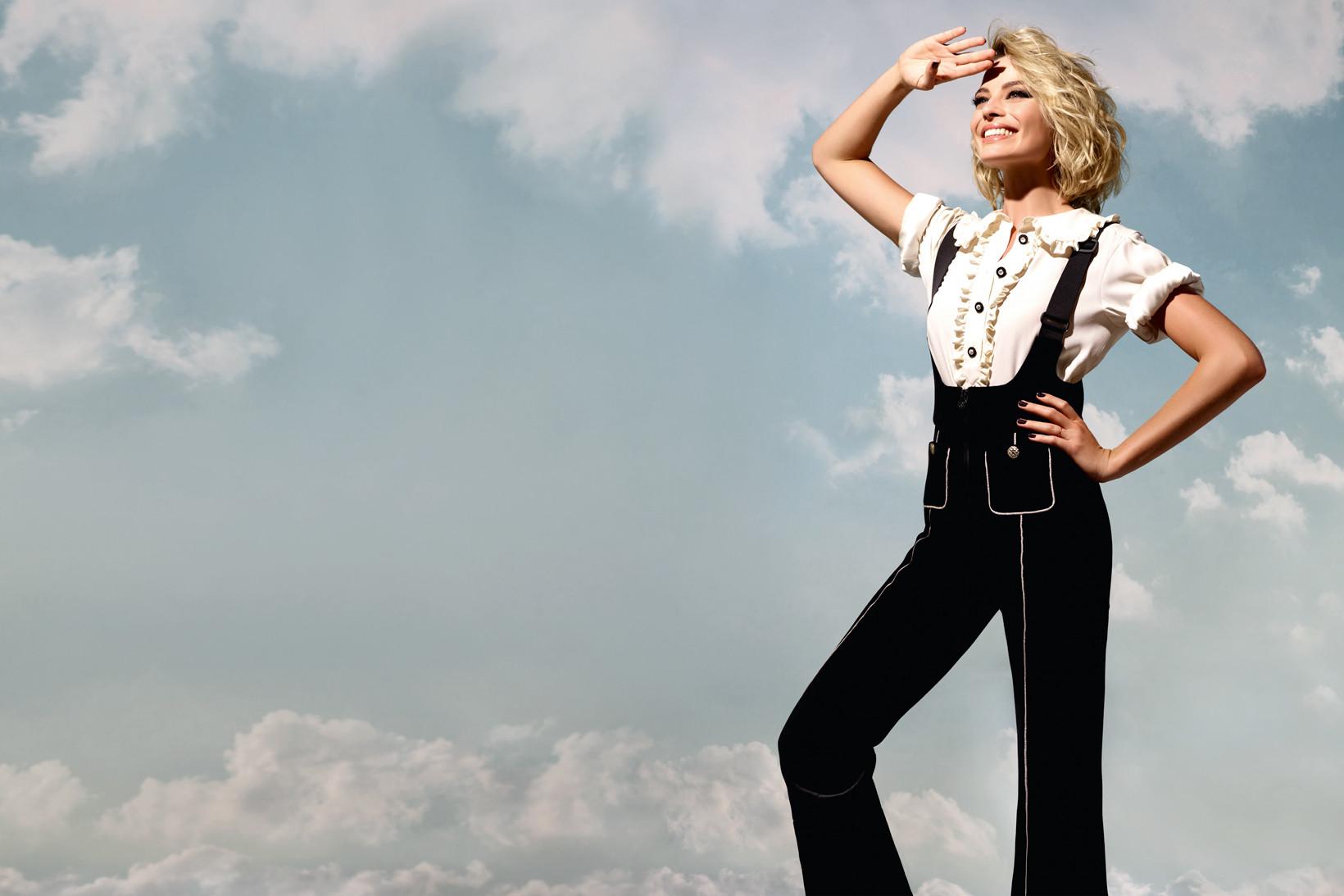 Chanel Coco Neige Margot Robbie