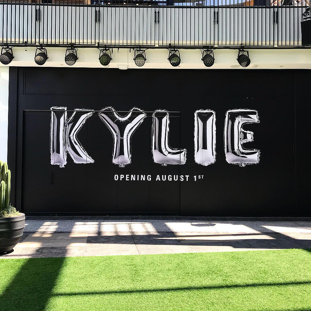 Kylie Cosmetics Birthday Pop-Up