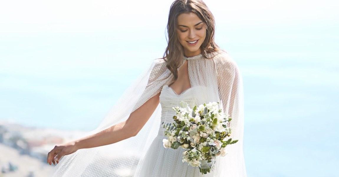 Monique Lhuiller bridal flowers